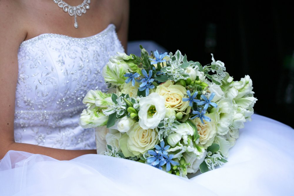 Bridal_bouquet_August_2010_Wedding