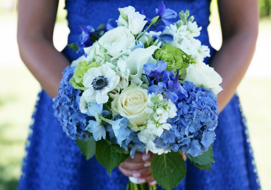 bridesmaid_bouquet_beach-wedding_westport_2012-a