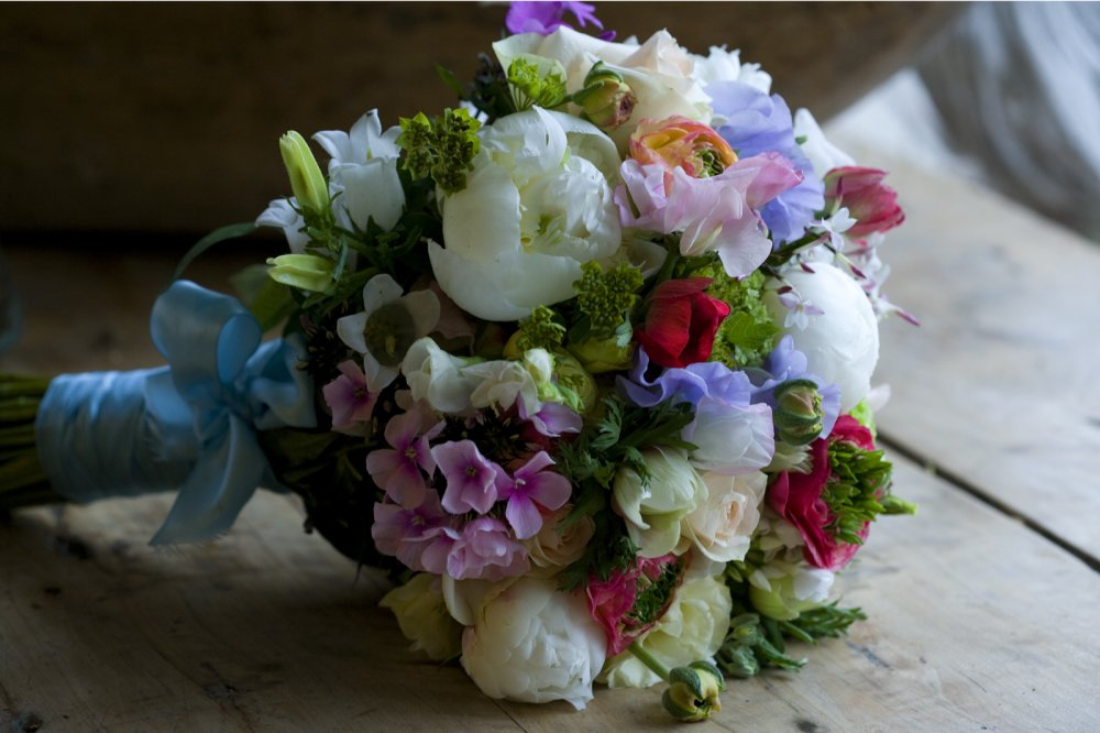 april-bridal-bouquet