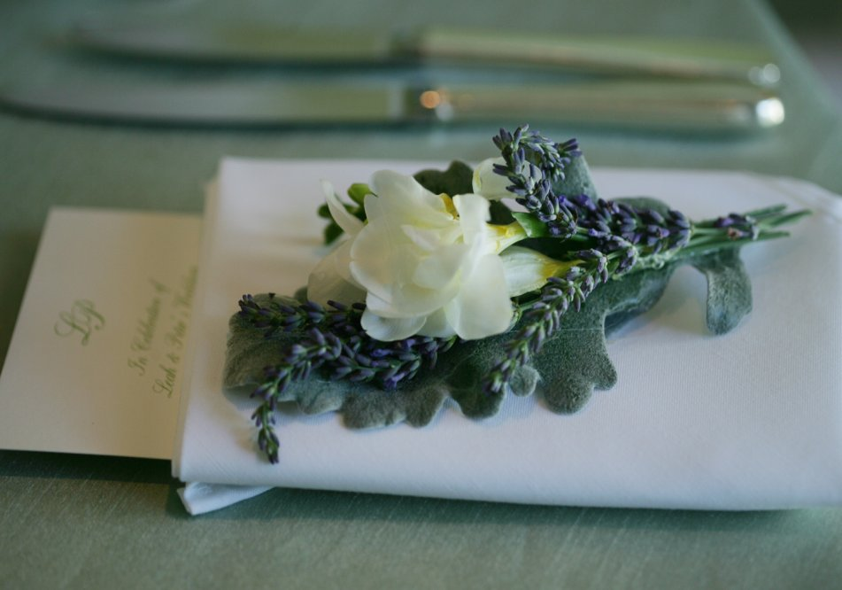 wedding_dinner-napkin-floral-design